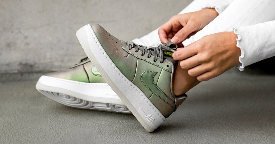 Nike Air Force 1 Upstep Premium LX Zijaanzicht