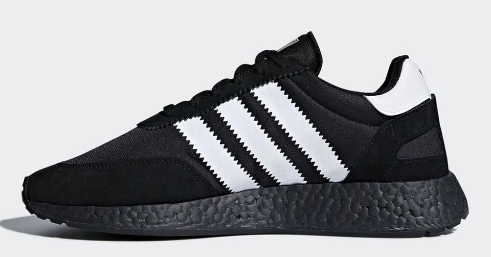 adidas I-5923 Triple Black zijkant