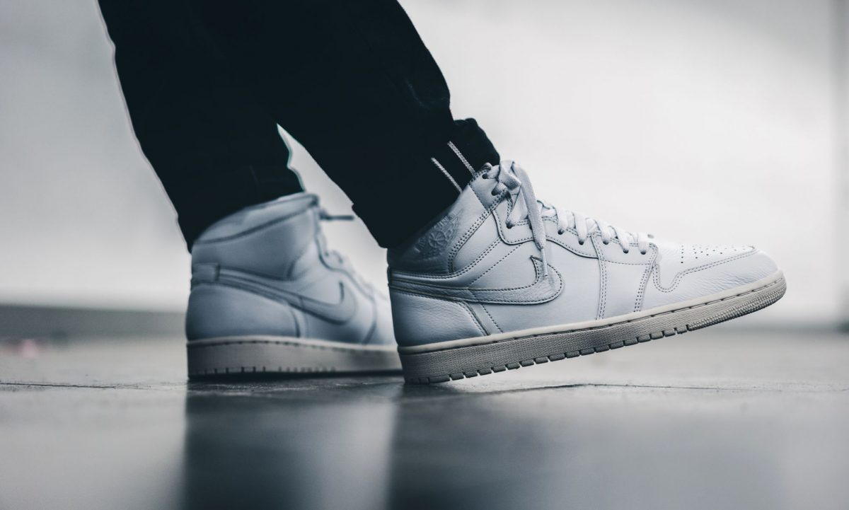 Air Jordan 1 High Premiun Platinum White