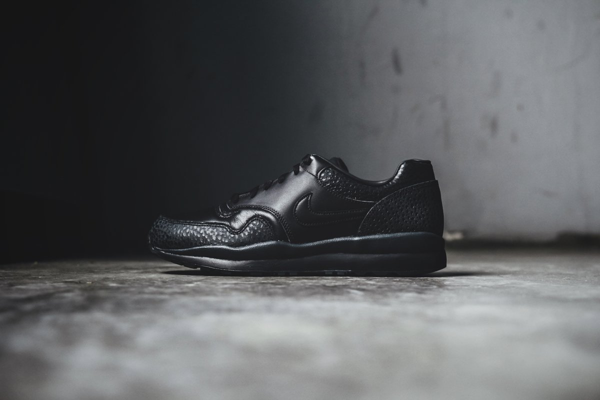 Update: On feet foto's van de Nike Air Safari ''Monarch
