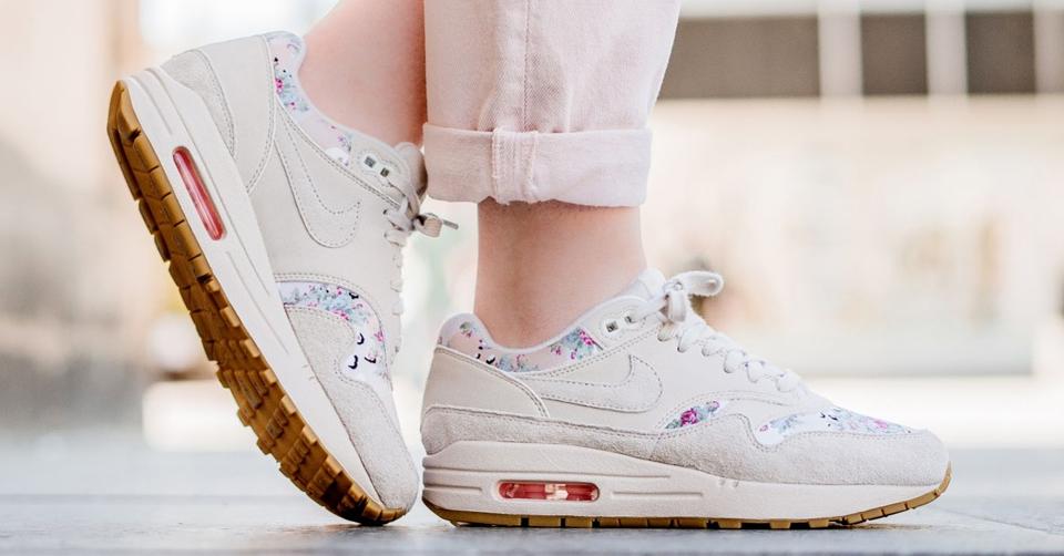 Nike Wmns Air Max 1 Pinnacle Beige | 839608 201 | Sneakerjagers