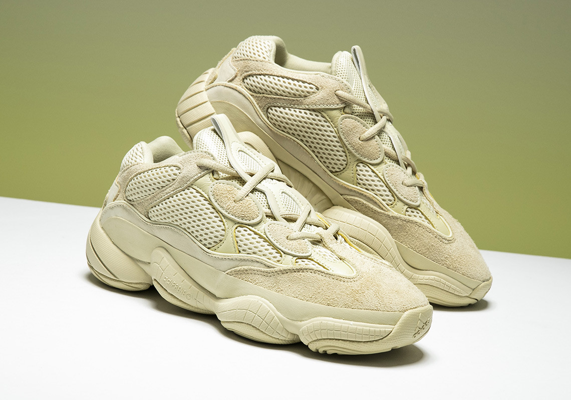 De Yeezy 500 'Super Moon Yellow' krijgt een re release