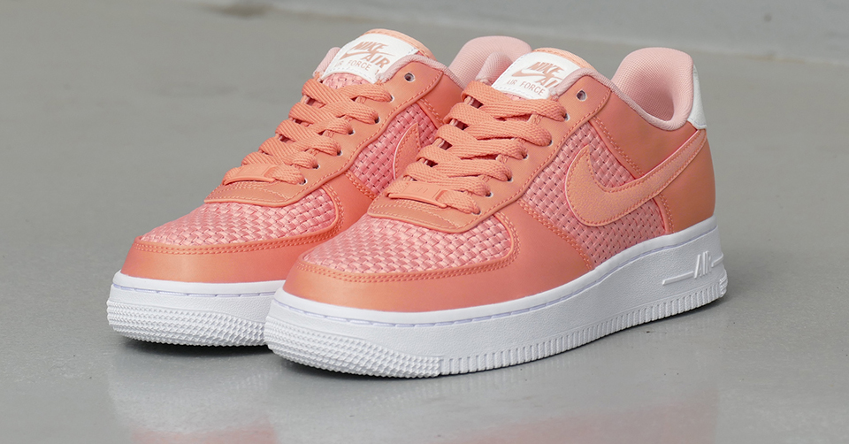 Nike Wmn Air Force 1 `07 SE Coral | AA0287 601