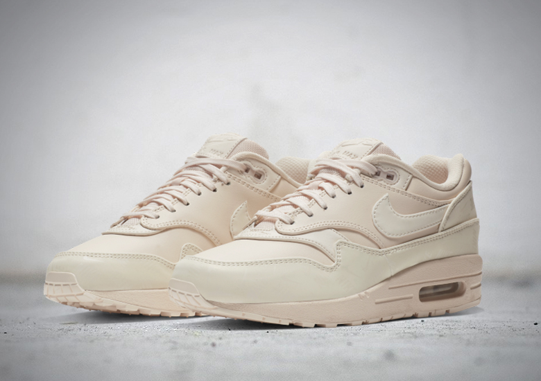 Nike Air Max 1 Guava Ice Glow in the Dark 917691 801 SBD