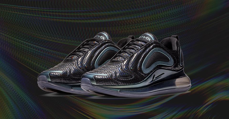 De Nike Air Max 720 komt in 'BlackIridescent Green