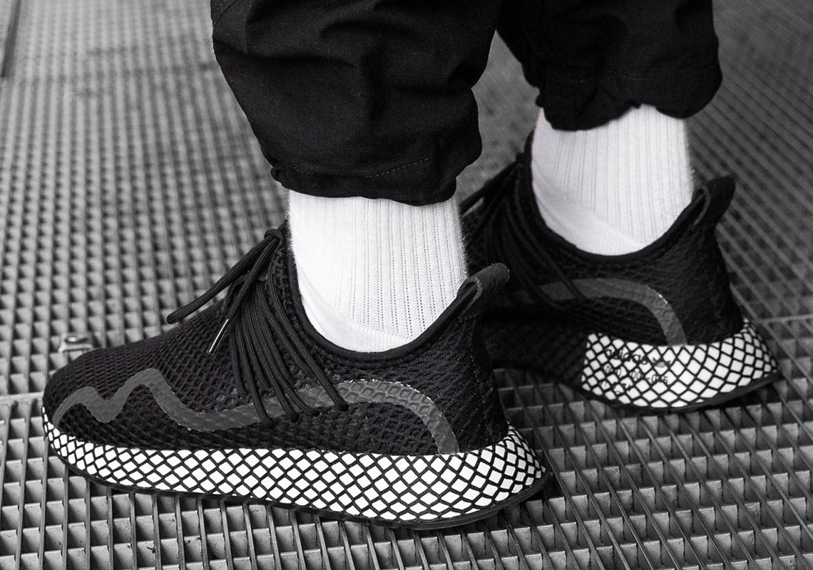 adidas Deerupt S Black