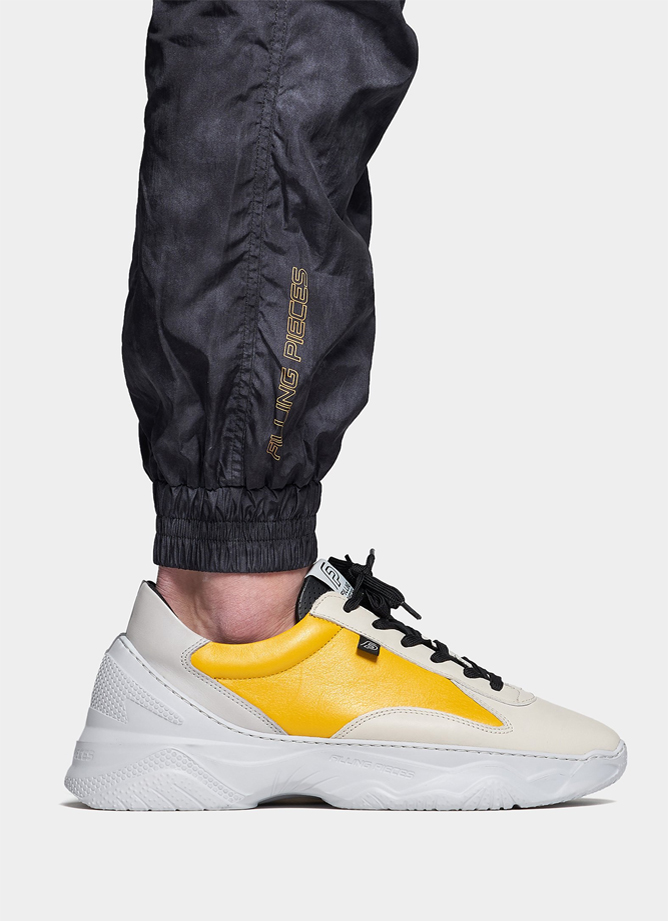 Filling Pieces Low Meno Shuttle Ixion