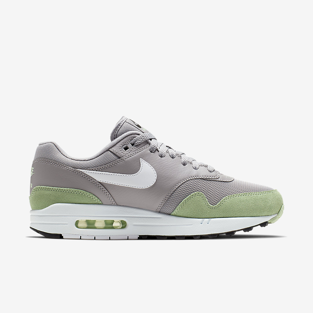 Nike Air Max 1 'Barely Volt'