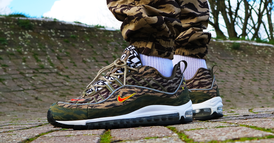 AIR MAX 98 x SUPREME SNAKESKIN | Review & On Feet | HD