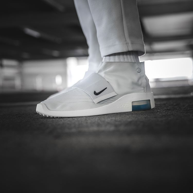 Nike x Fear of God 	AT8086-001