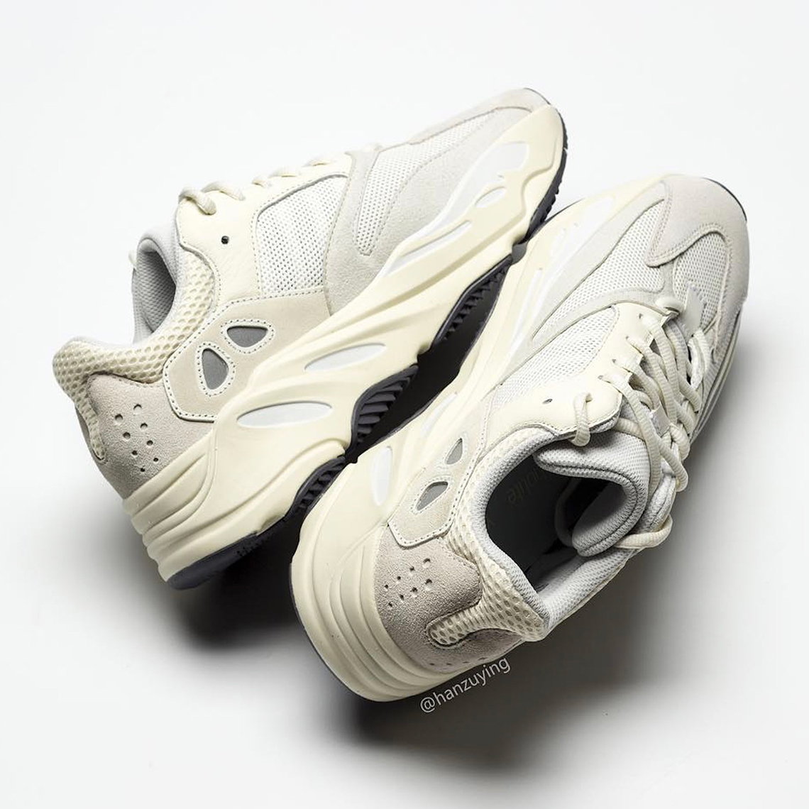 "Yeezy Boost 700 ""Analog"""
