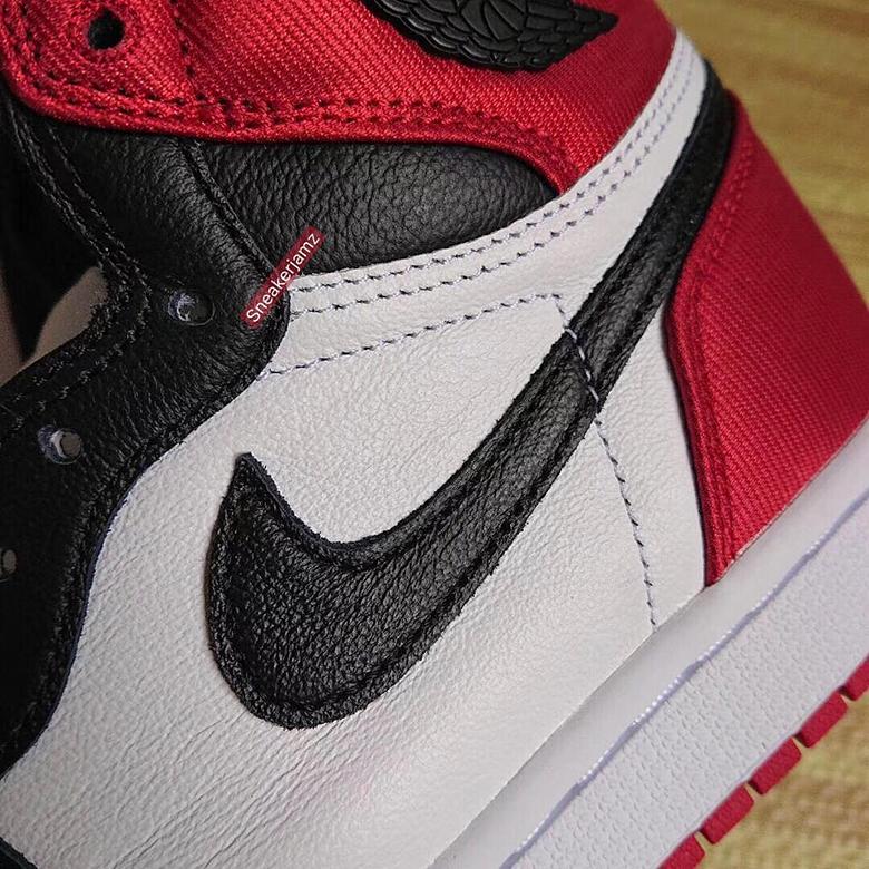 Air Jordan 1 'Black Toe' Satin