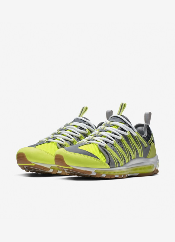 Nike en CLOT