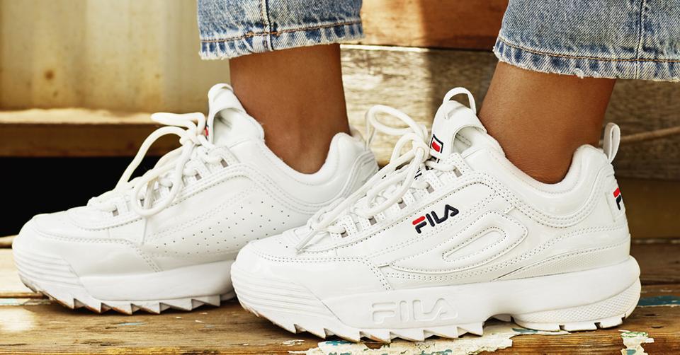 Sarenza Top 10 witte zomer sneakers | Sneakerjagers