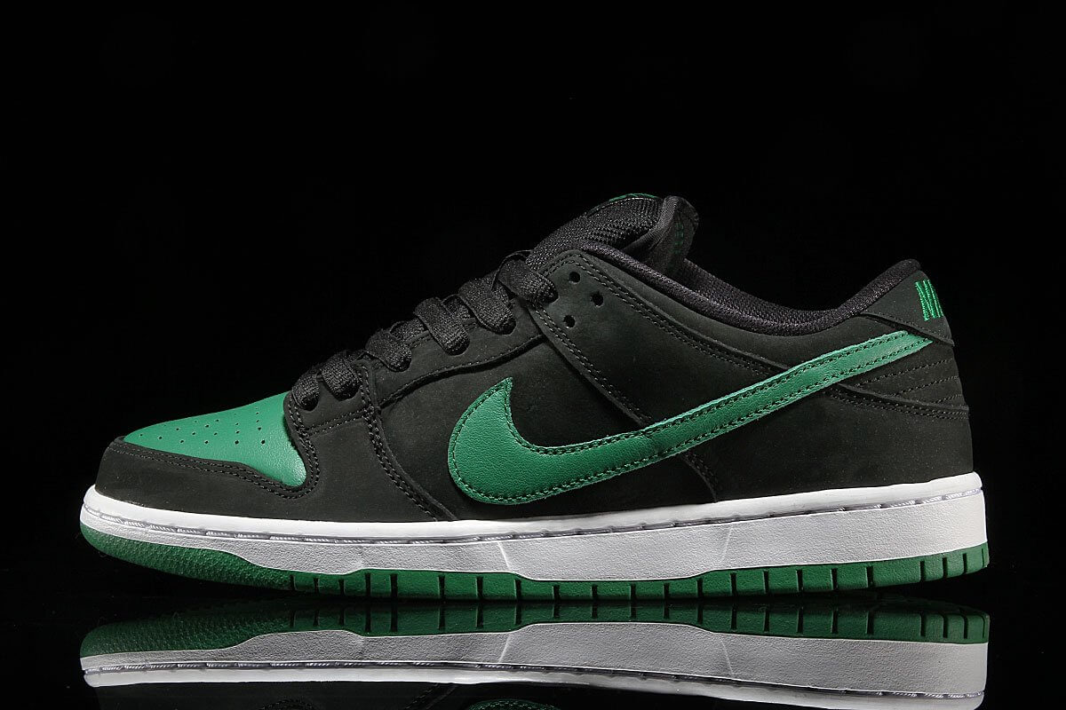 Dunk Low Pine Green Side