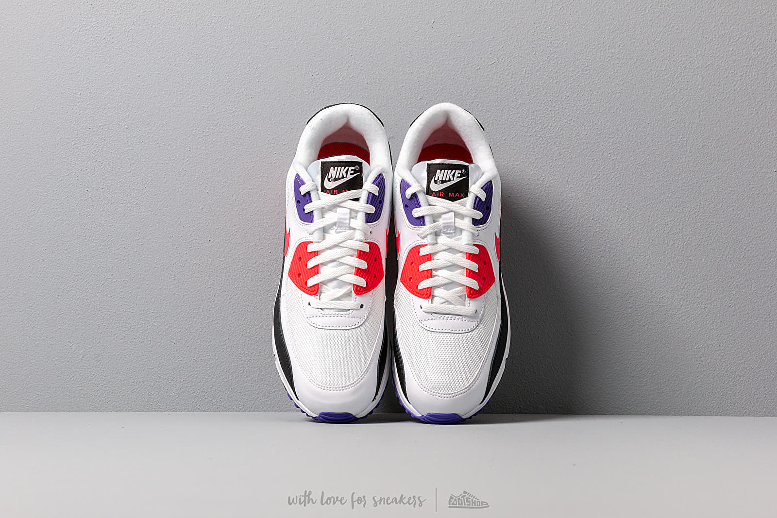 NIKE AIR MAX 90 ESSENTIAL | white red psychic purple