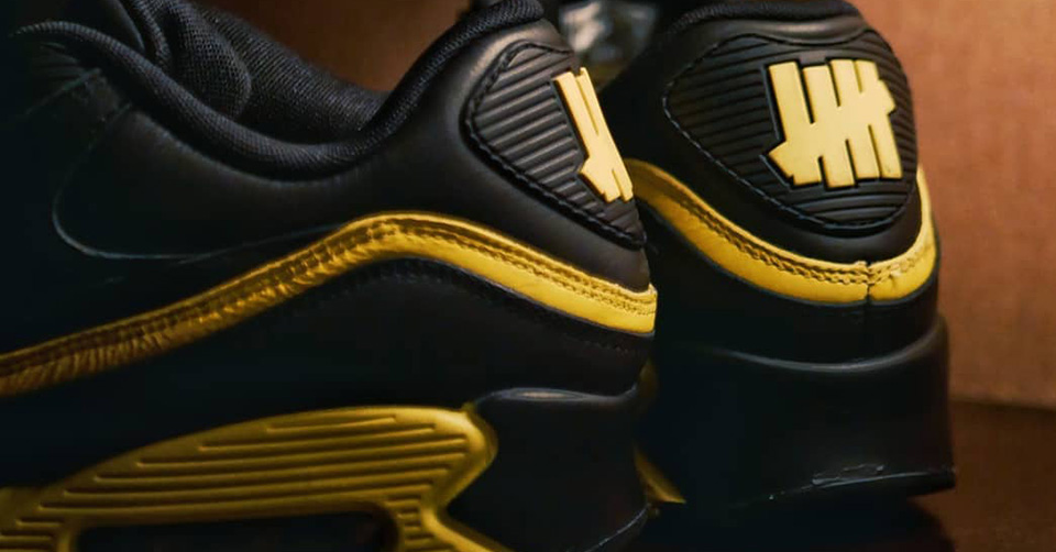 Air Max 90 08 Gold Leopard Sneakers