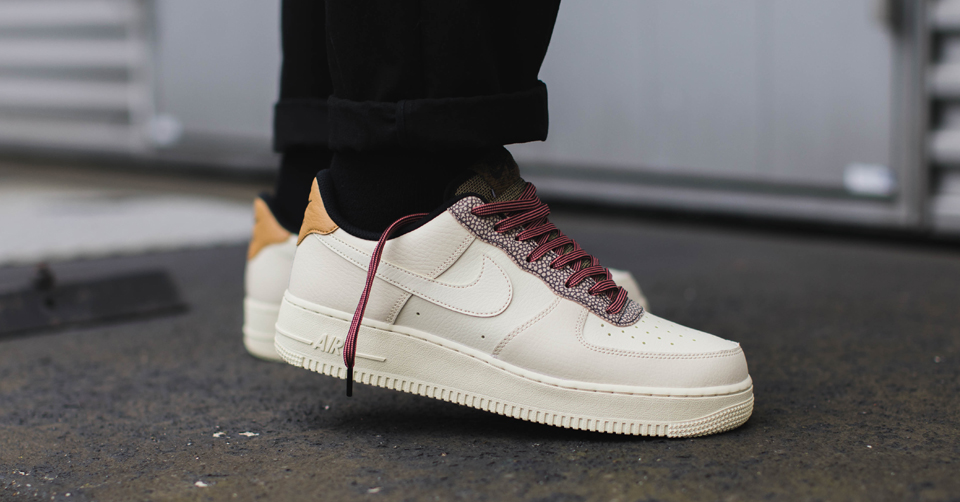 Nike Air Force 1 Low Wolf Grey Hot Punch Game Royal colorway