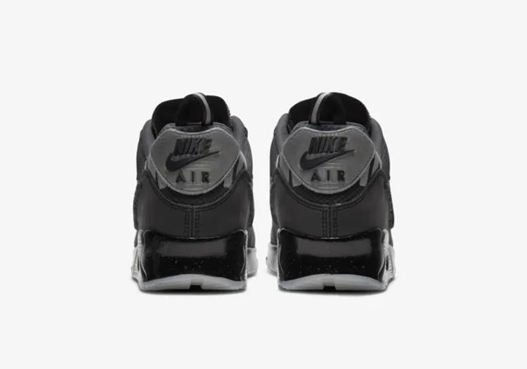 Undefeated x Nike