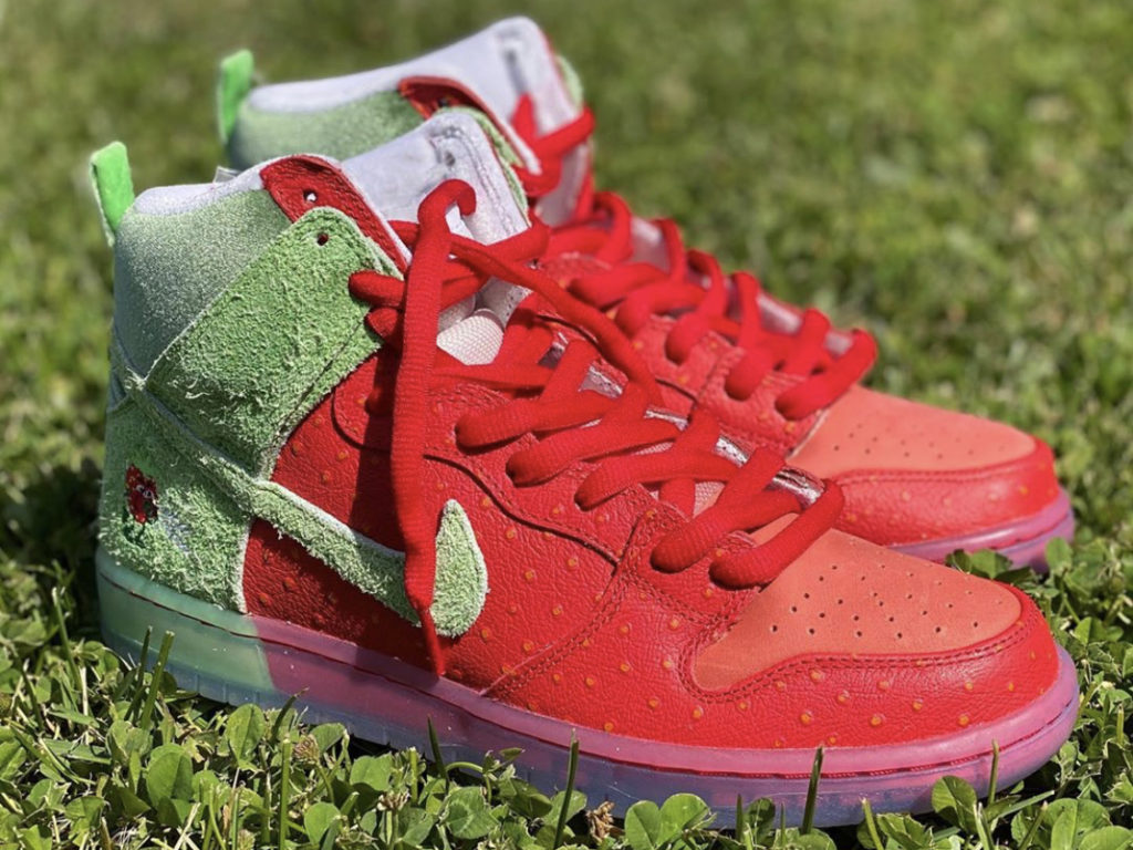 Dunk High 'Strawberry Cough
