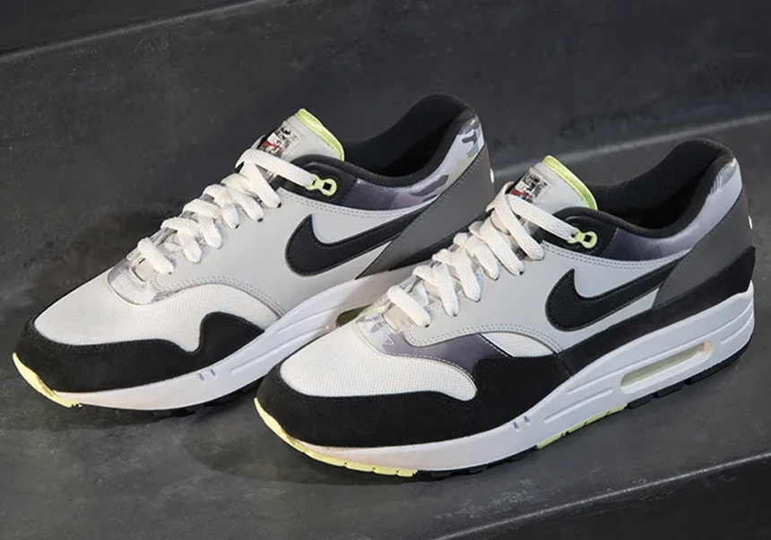 Nike x Foot Locker AM1