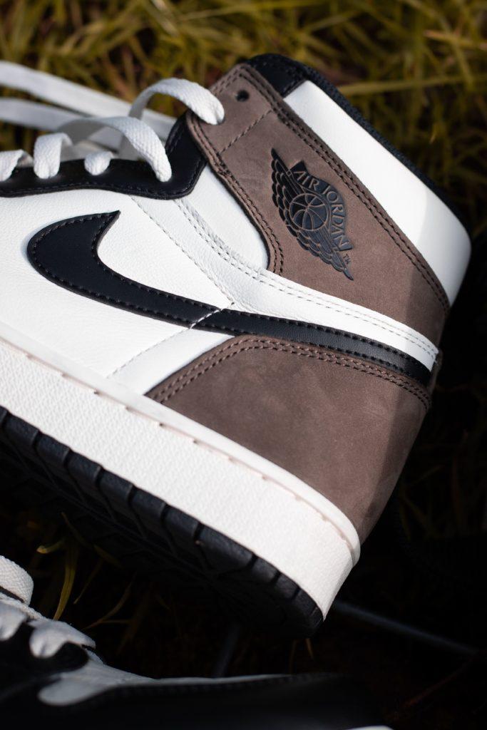 Air Jordan 1 High 'Dark Mocha'