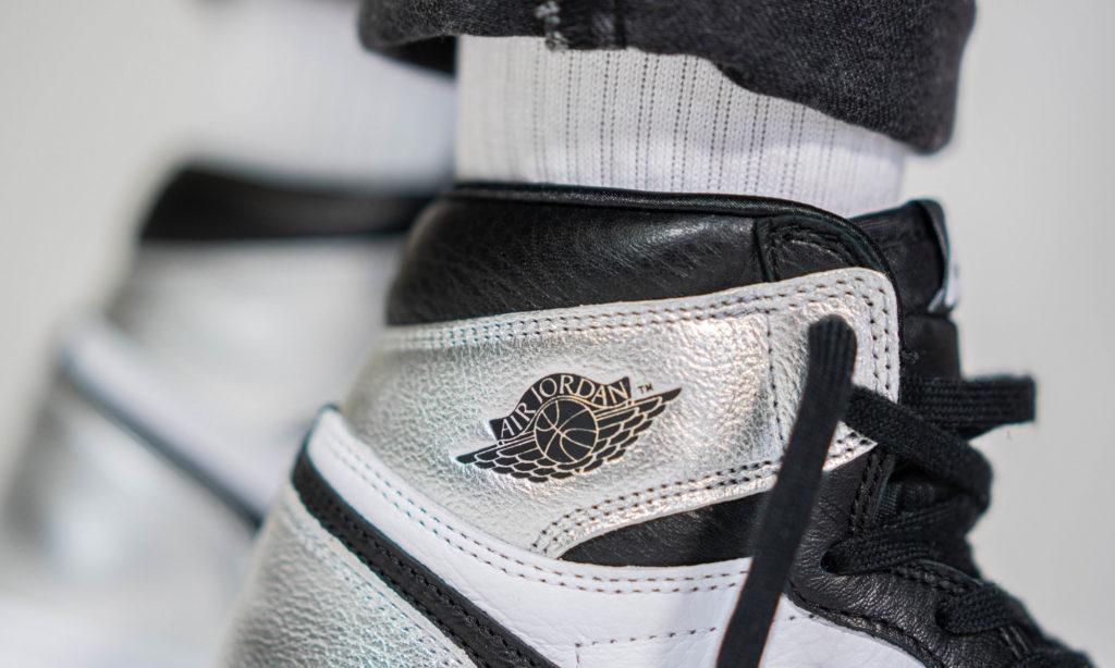 Air Jordan 1 'Silver Toe'