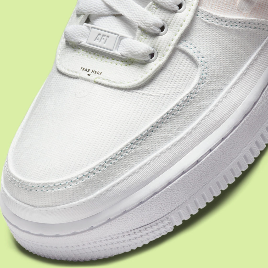 Nike Air Force 1 WMNS Tear away details