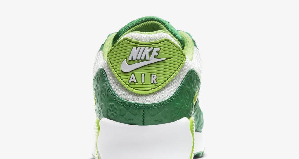 Nike AM90