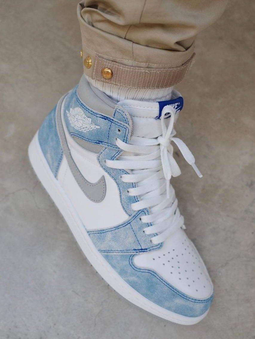 Air Jordan 1 blue