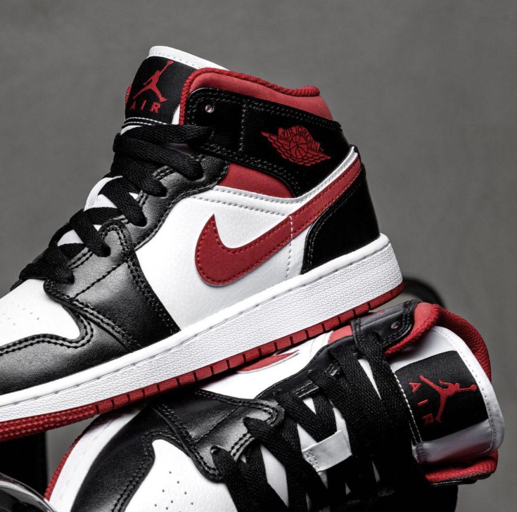 Jordan 1 Mid 'Metallic Red'