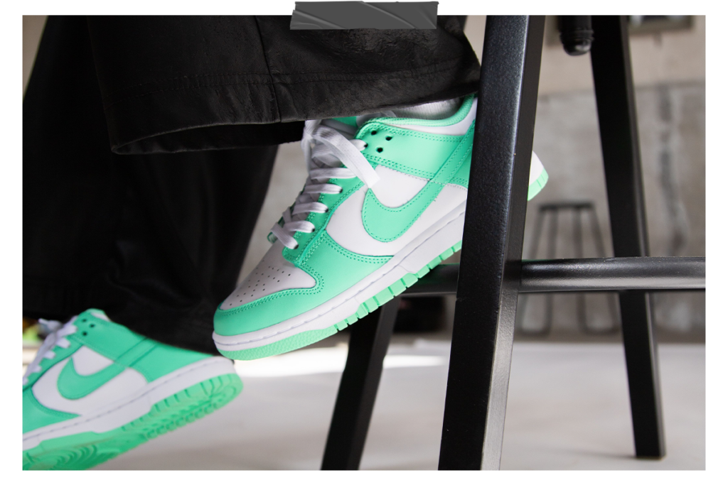 Nike WMNS Dunk Low 'Green Glow