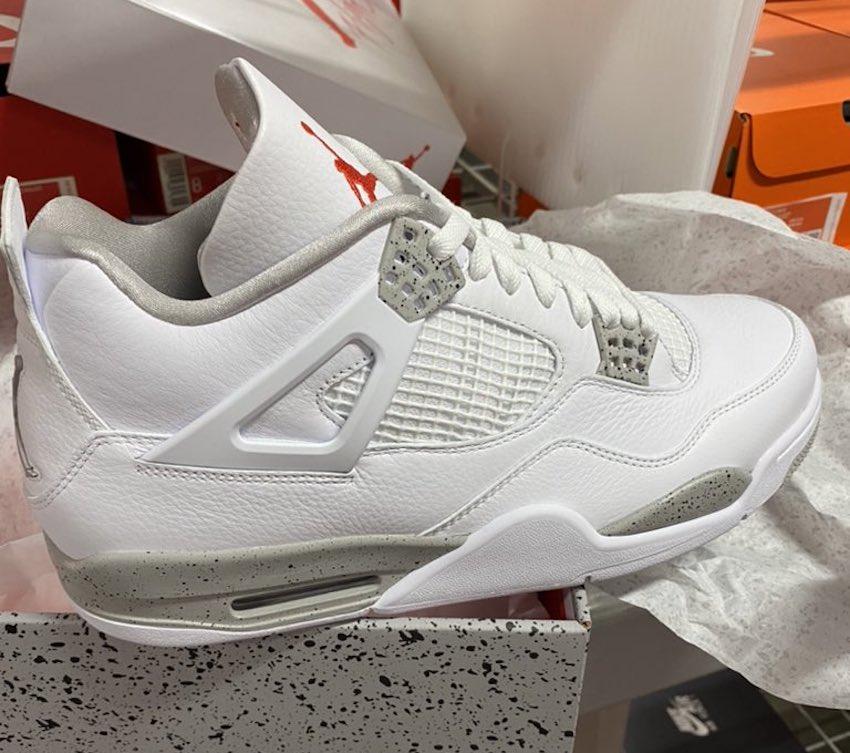 Nike Air Jordan 4 White Oreo shoebox