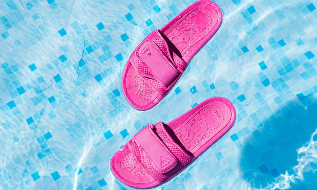 adidas x Pharrell Williams Chancletas HU bad slippers
