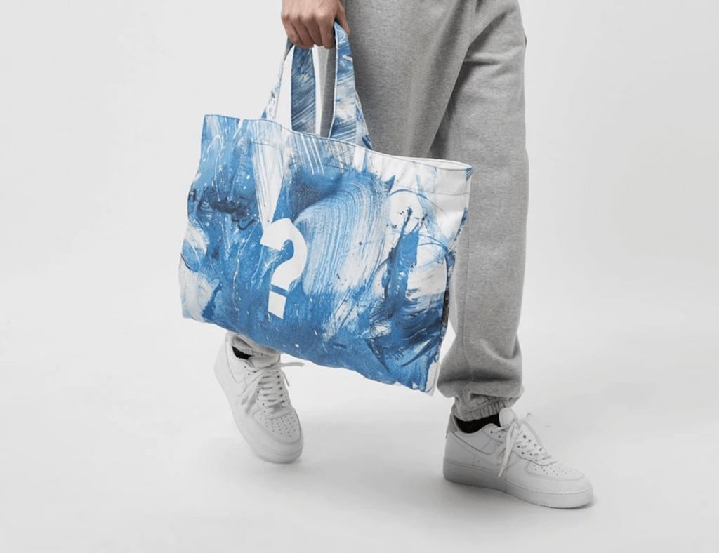 Size x New Era Tote bag