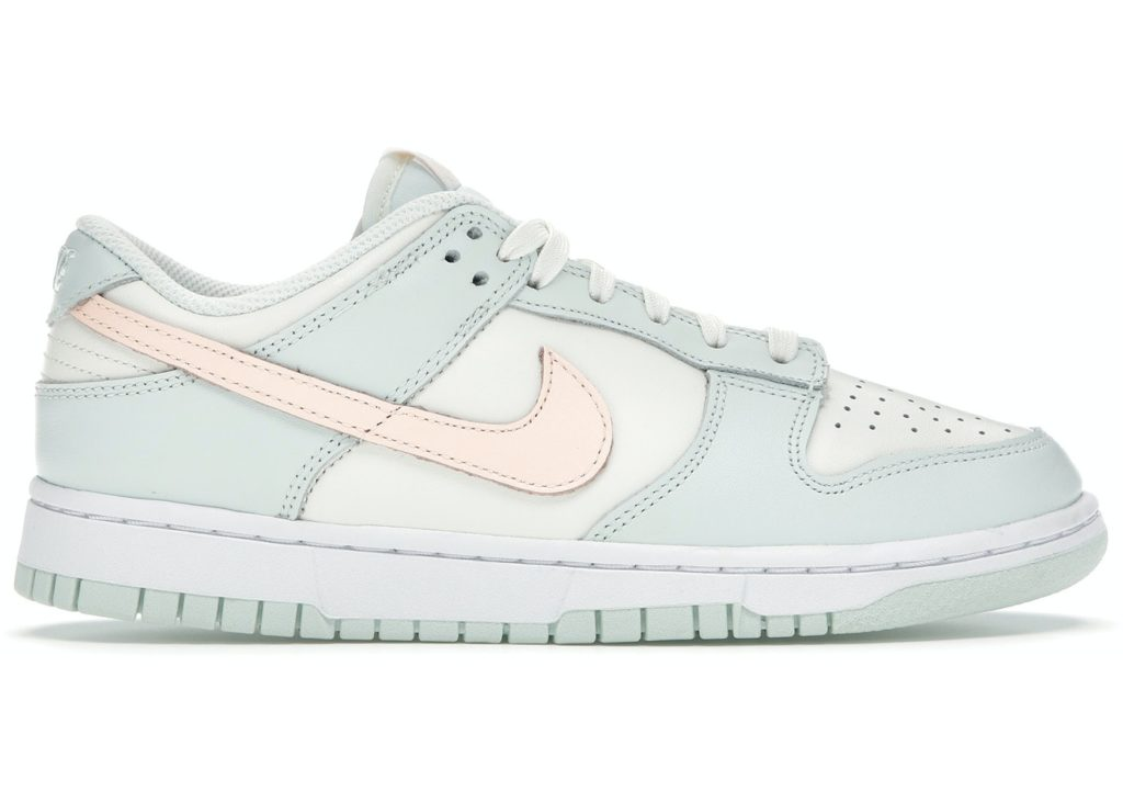 Nike Dunk Low 'Barely Green'   DD1503-104