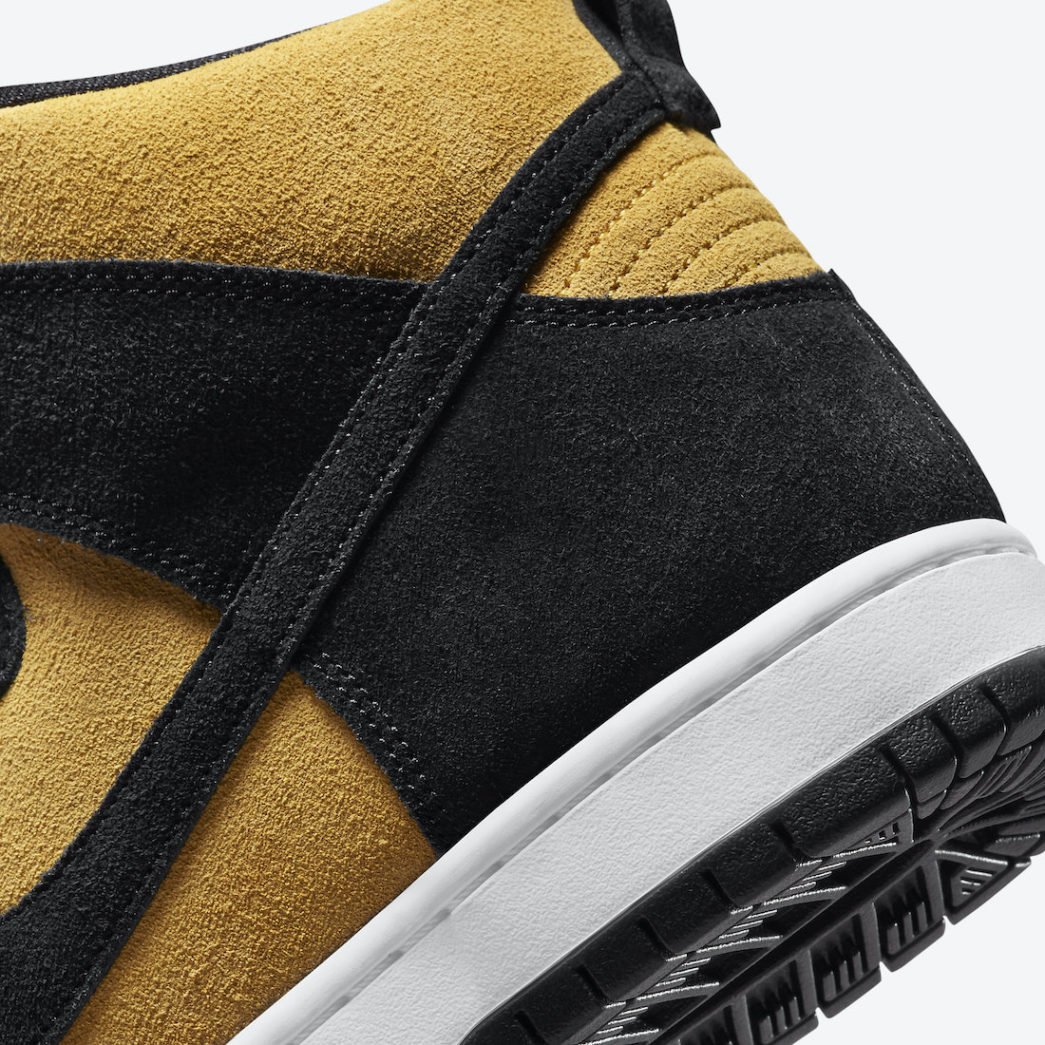Nike-SB-Dunk-High-Reverse-Iowa-DB1640-001-Release-Date-7