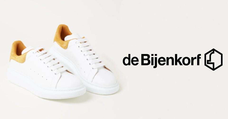 Scoor tot wel 50% korting op vele sneakers bij de Bijenkorf