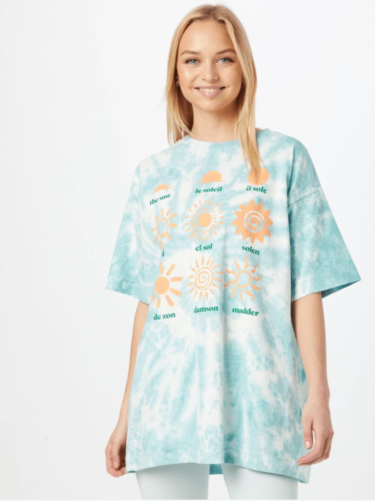 Damson Madder shirt in lichtblauw uit de About You zomer sale
