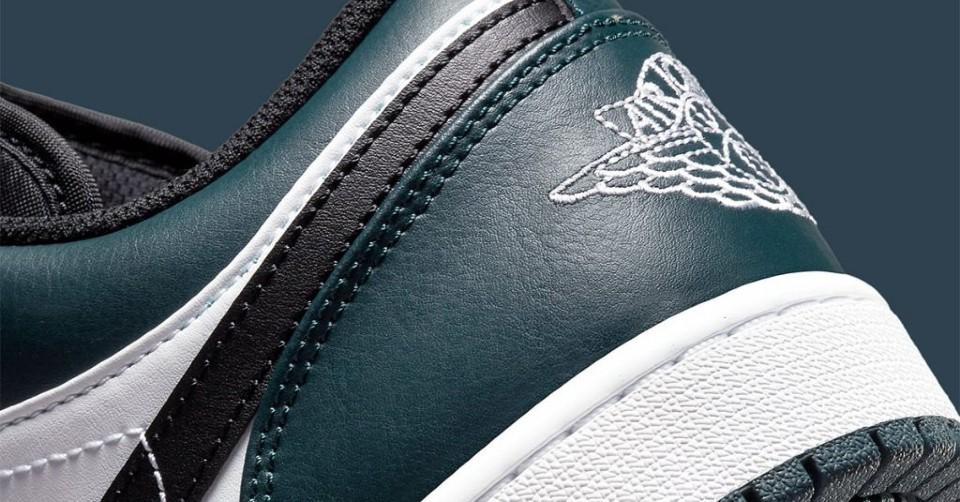 De Air Jordan 1 Low komt in een 'Dark Teal' colorway