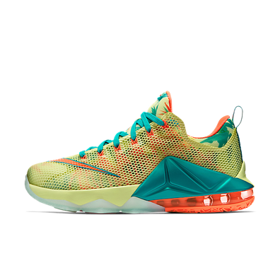 Nike Lebron 12 Low PRM productafbeelding