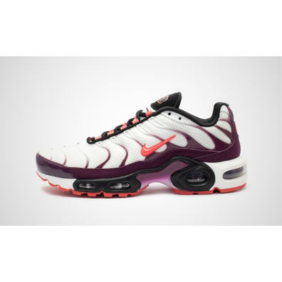 """Nike WMNS Air Max Plus """"Ember Glow"""" productafbeelding"""