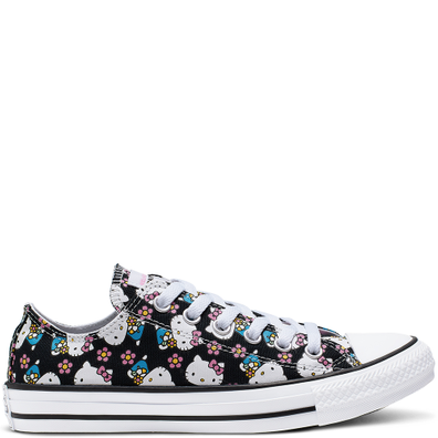 Converse x Hello Kitty Chuck Taylor All Star Canvas Low Top productafbeelding