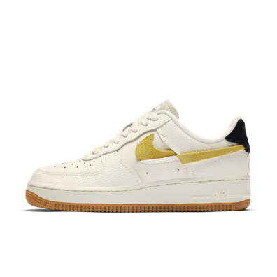 Nike WMNS Air Force 1 '07 LXX Vandalized 'Chrome Yellow' productafbeelding