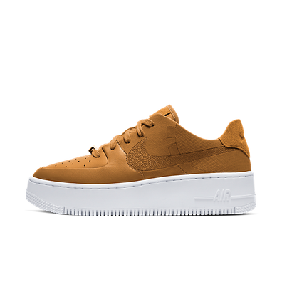 "Nike WMNS Air Force 1 Sage Low LX ""Wheat"" productafbeelding"