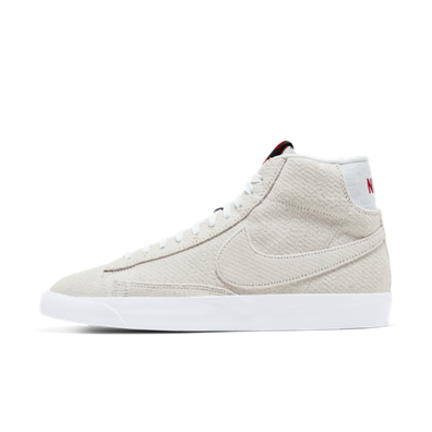 Stranger Things X Nike Blazer Mid QS 'Upside Down' productafbeelding