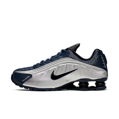 "Nike Shox R4 ""Midnight Navy"" productafbeelding"