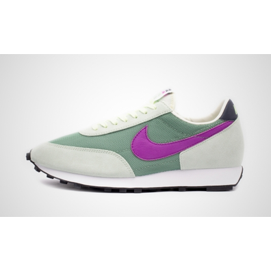 Nike Daybreak (Silver Pine / Hyper Violet - Pistachio Frost) productafbeelding