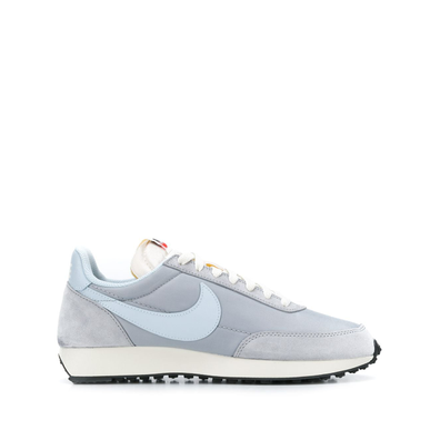 Nike low top lace-up productafbeelding