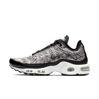 Nike Wmns Air Max Plus LX 'Black/White' productafbeelding